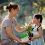 Panduan Mengajarkan Skill yang Tepat Sesuai Usia Si Kecil